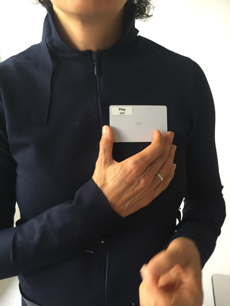 Key-card as batch, photo Vera de Pont